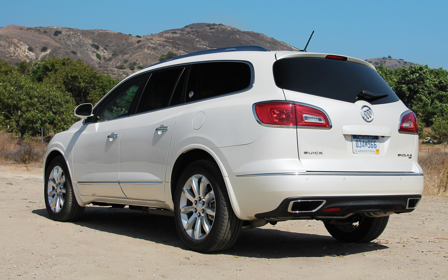 2013 buick enclave review and price the news articles. Black Bedroom Furniture Sets. Home Design Ideas