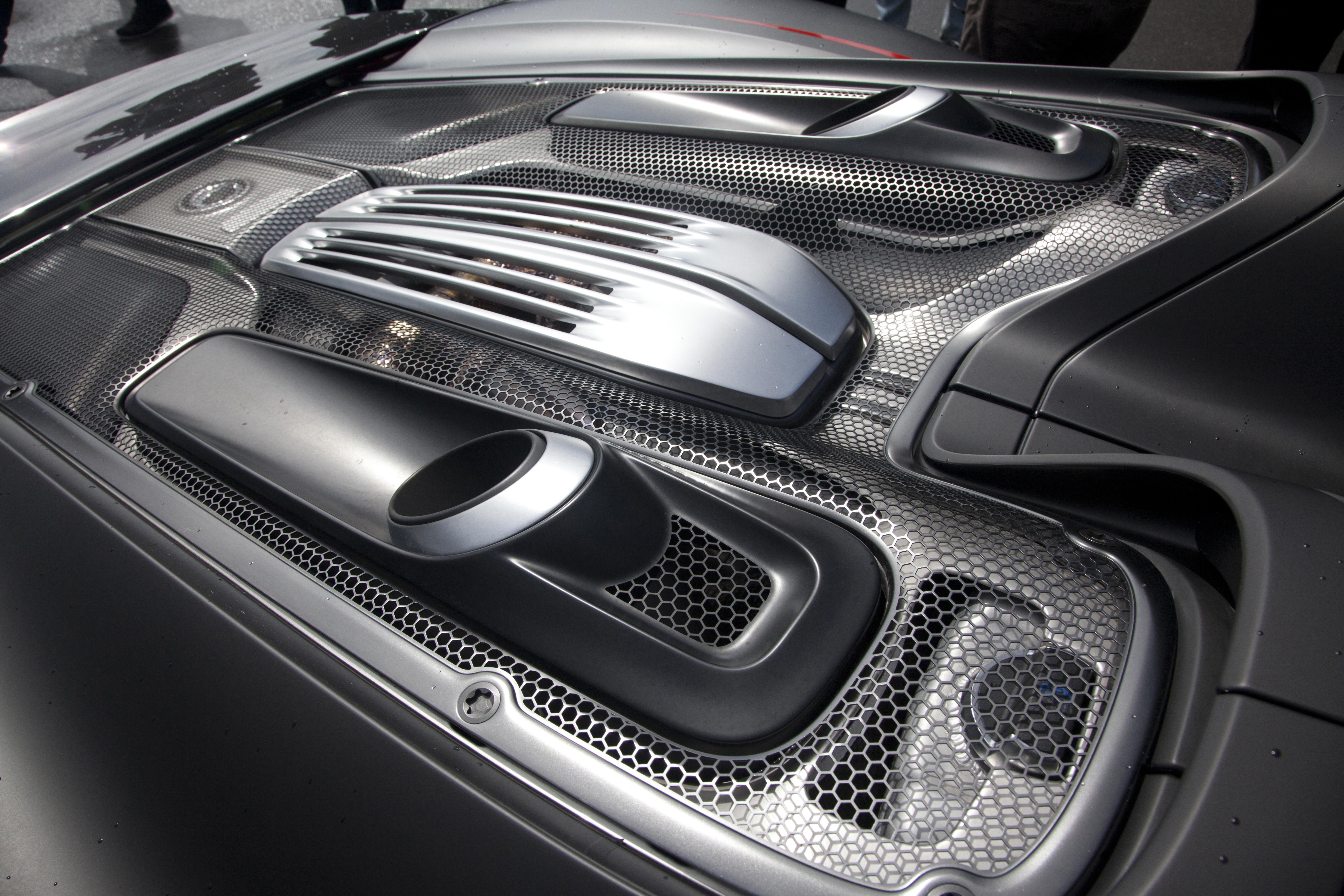 r 2014 porsche 918 spyder engine