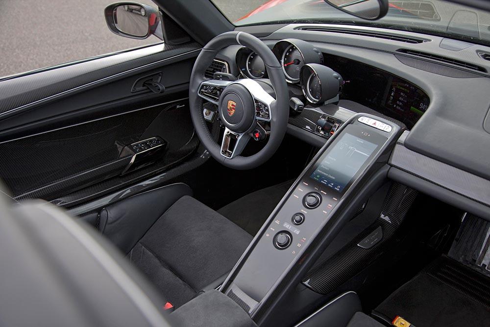 2014 porsche 918 spyder test drive the news articles reviews 2014 porsche 918 spyder interior