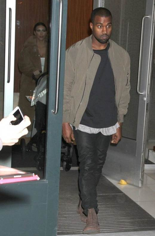 Kanye West Believes He Ll Never Succeed As A Fashion Designer The News Articles Reviews Comments Prices Of Laptops Cameras Mobile Tablet Multimedia Printer Scanner