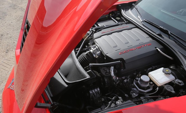 There's the same direct-injected, 6.2-liter, 455-hp V8 engine and the same seven-speed manual transmission with rev matching
