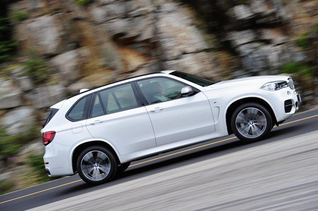 X5 styling is not a whole lot different from before, but why radically change a winning formula?